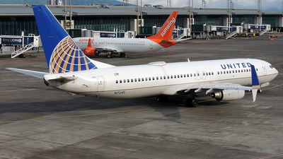 A picture of N17245 - Boeing 737824 - United Airlines - © Julio Letona