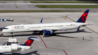 A picture of N593NW - Boeing 757351 - Delta Air Lines - © Andriy Yegorov