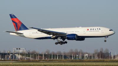 N864DA - Boeing 777-232(ER) - Delta Air Lines