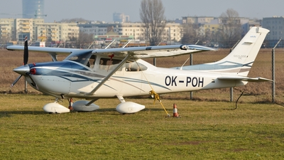 A picture of OKPOH - Reims Cessna F152 - [F15201776] - © Eric Strzala