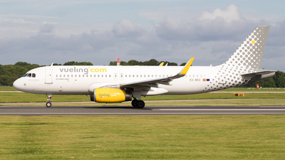 EC-MKO - Airbus A320-233 - Vueling Airlines