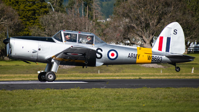ZK-RFS - De Havilland Canada DHC-1 Chipmunk - Private