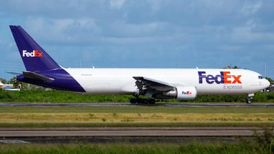 A picture of N161FE - Boeing 7673S2F(ER) - FedEx - © Carlos Nieves