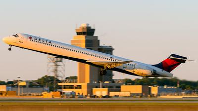 N958DN - McDonnell Douglas MD-90-30 - Delta Air Lines