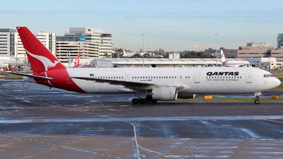 VH-ZXE - Boeing 767-336(ER) - Qantas