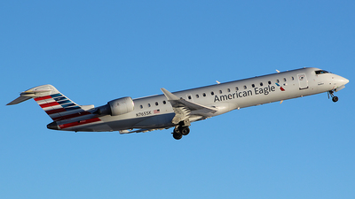 A picture of N765SK - Mitsubishi CRJ701ER - American Airlines - © Alexander Aston