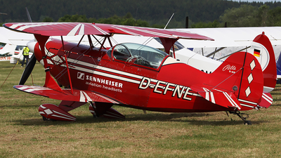 D-EFNE - Pitts S-2B Special - Private