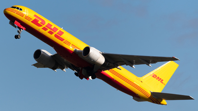 A picture of DALET - Boeing 75728A(PCF) - DHL - © Sergio Basterrechea