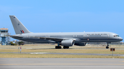 A picture of NZ7571 - Boeing 7572K2 -  - © Robbie Mathieson