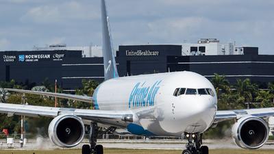 N1013A - Boeing 767-36N(ER)(BCF) - Amazon Prime Air (Atlas Air)