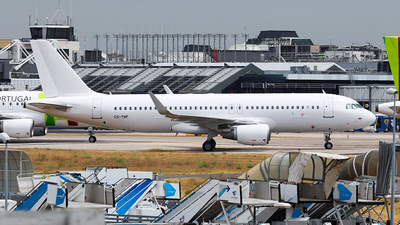 CS-TNP - Airbus A320-214 - Untitled