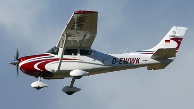 D-EWWK - Cessna T182T Skylane TC - Private