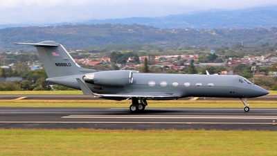 A picture of N888LD - Gulfstream IV - [1375] - © Luis V Aguilar