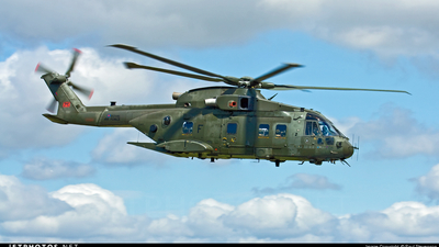 ZJ122 - Agusta-Westland Merlin HC.3 - United Kingdom - Royal Air Force (RAF)