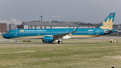 D-AVYS - Airbus A321-272N - Vietnam Airlines