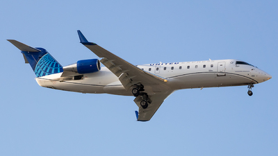 A picture of N431SW - Mitsubishi CRJ200LR - United Airlines - © Stephen J Stein