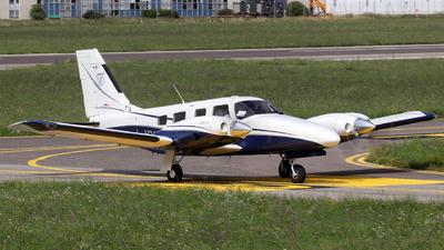 I-IPHB - Piper PA-34-220T Seneca V - Aero Club - Varese