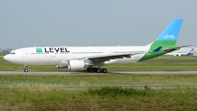 F-HLVL - Airbus A330-202 - Level