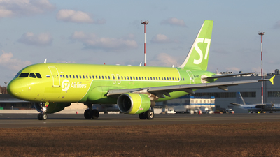 A picture of VQBRC - Airbus A320214 - S7 Airlines - © SeniorNN