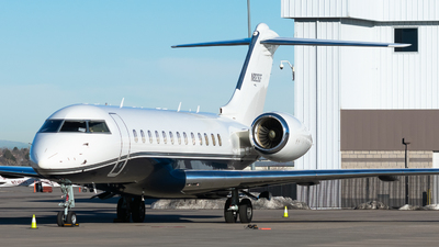 A picture of N823DF - Bombardier Global Express - [9066] - © Michael Place