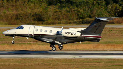 A picture of N374FX - Embraer Phenom 300 - Flight options - © Carlos Barcelo