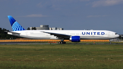 A picture of N2250U - Boeing 777300(ER) - United Airlines - © NRT Spotter