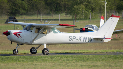 SP-KWW - Cessna 152 II - Private
