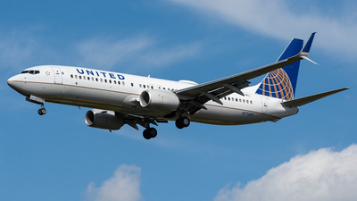 N77539 - Boeing 737-824 - United Airlines