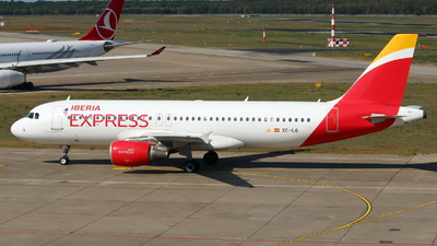 EC-ILQ - Airbus A320-214 - Iberia Express