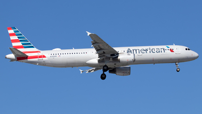 A picture of N190UW - Airbus A321211 - American Airlines - © Sandra