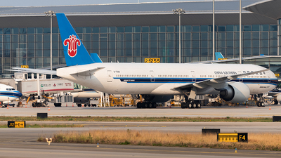 B-7588 - Boeing 777-31BER - China Southern Airlines