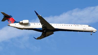 A picture of N804SK - Mitsubishi CRJ900LR - Delta Air Lines - © Alec Mollenhauer