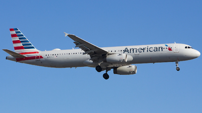 A picture of N982VJ - Airbus A321231 - American Airlines - © Xiamen Air 849 Heavy