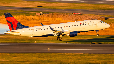 A picture of N240JQ - Embraer E175LR - Delta Air Lines - © Yishai Howe
