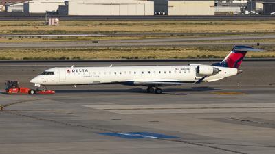 A picture of N821SK - Mitsubishi CRJ900LR - Delta Air Lines - © David Lee
