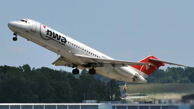N8945E - McDonnell Douglas DC-9-31 - Northwest Airlines