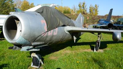 365 - Mikoyan-Gurevich MiG-15 Fagot - Poland - Air Force