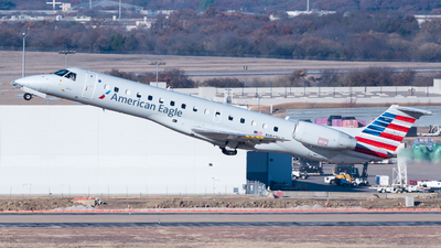 A picture of N817AE - Embraer ERJ140LR - American Airlines - © Chr.Schulenberg