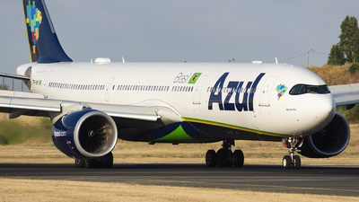 A picture of PRANY - Airbus A330941 - Azul Linhas Aereas - © KonradWyszynski