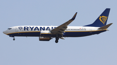 A picture of SPRST - Boeing 7378AS - Ryanair - © Ferenc Kolos