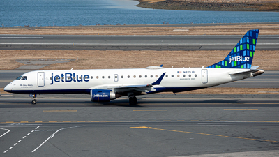 A picture of N329JB - Embraer E190AR - JetBlue Airways - © OCFLT_OMGcat