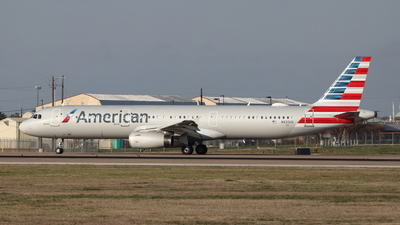 A picture of N920US - Airbus A321231 - American Airlines - © Cam