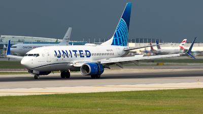 A picture of N15712 - Boeing 737724 - United Airlines - © Davis Dore