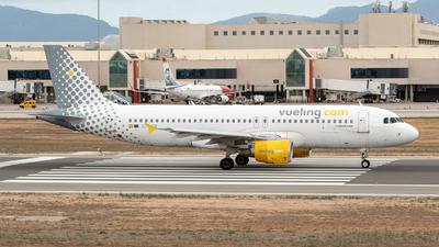 EC-JTQ - Airbus A320-214 - Vueling