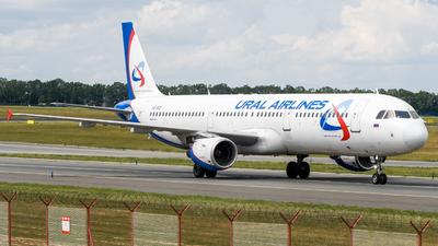 A picture of VQBOZ - Airbus A321211 - [2117] - © Antek Dec