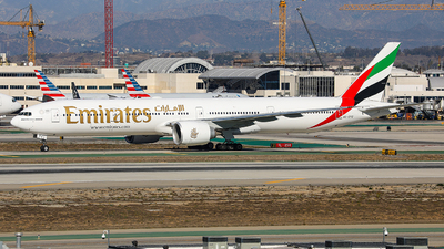 A picture of A6EPZ - Boeing 77731H(ER) - Emirates - © KenKen Huang