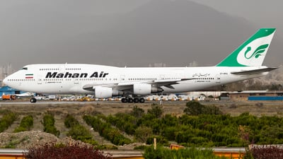 A picture of EPMNE - Boeing  7473B3(M) - Mahan Air - © Mohammad Rozve