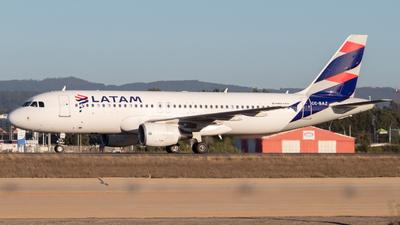 A picture of CCBAZ - Airbus A320214 - LATAM Airlines - © Sebastián Fernández