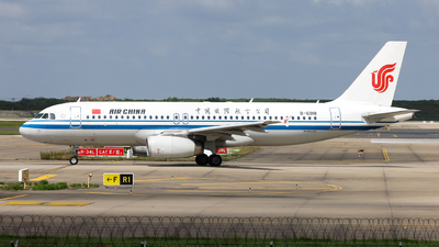 A picture of B6918 - Airbus A320232 - Air China - © Jiaming