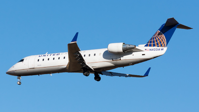 A picture of N423AW - Mitsubishi CRJ200LR - United Airlines - © Leyla Kohley